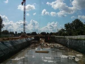 Blok przy Orlińskiego 4 budowany przez Budimex w Czyżynach