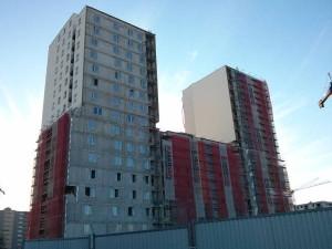 Elewacja na budynku z nowymi tanimi mieszkaniami w Krakowie Avia 2