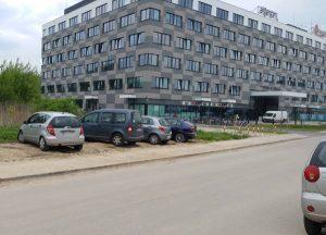Ulica Życzkowskiego w Krakowie i biurowce